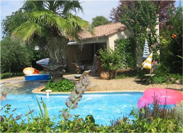 chambre d 39 hote jardin piscine plage et soleil location chambres d 39 h tes b ziers. Black Bedroom Furniture Sets. Home Design Ideas