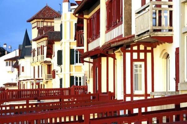le pays basque en photos location meubl e d 39 une maison anglet. Black Bedroom Furniture Sets. Home Design Ideas