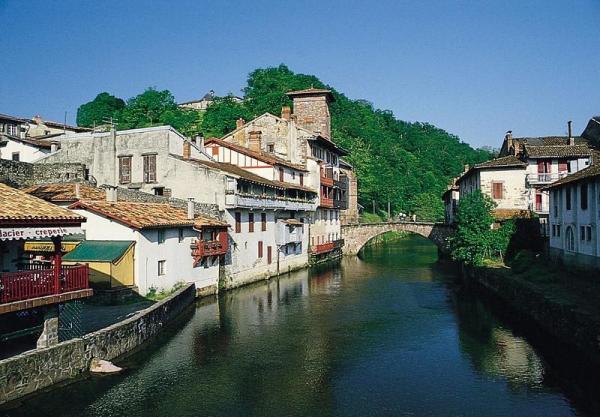 Le pays basque en photos location meubl e d 39 une maison - Location st jean pied de port particulier ...